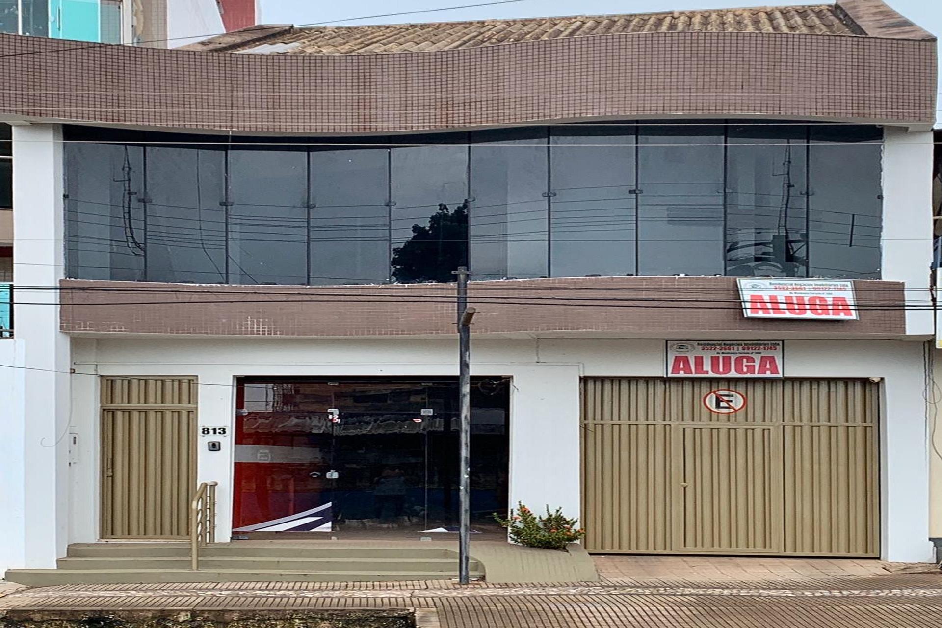 Av. Barão do Rio Branco, 813 – Centro